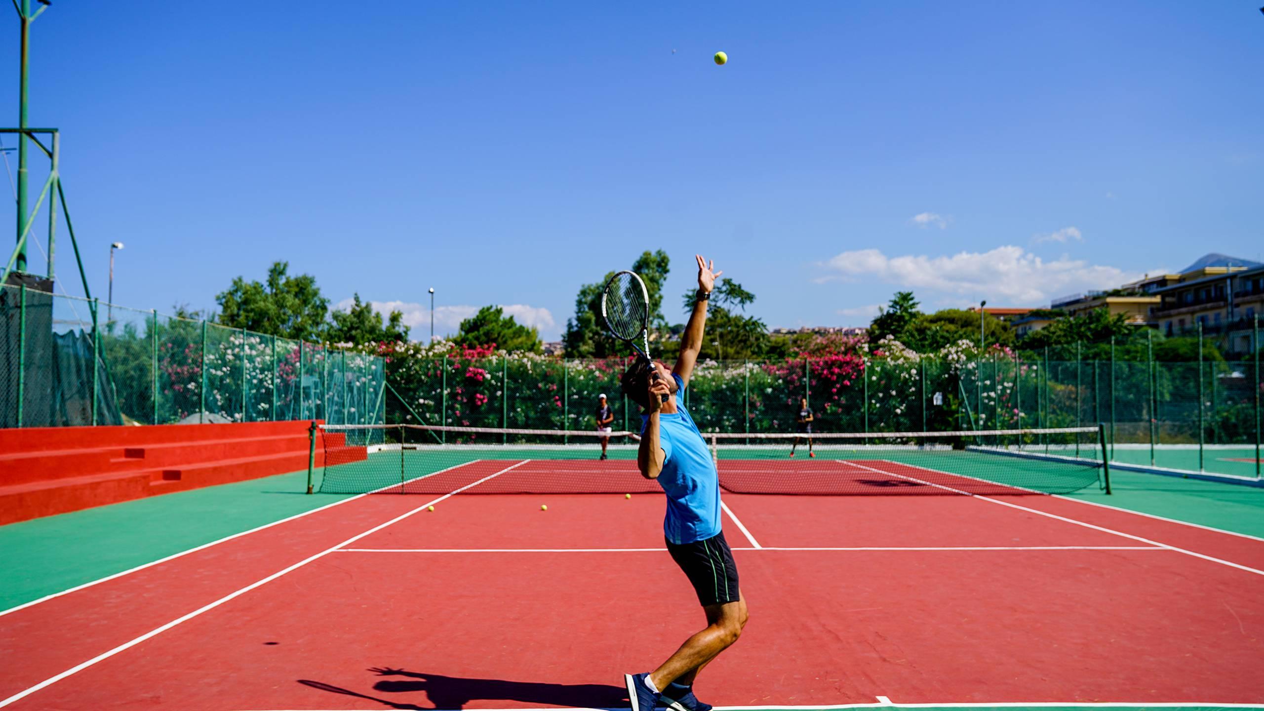 Santa-Caterina-Village-Scalea-анимация-тренировка-теннис-2-DSC00846