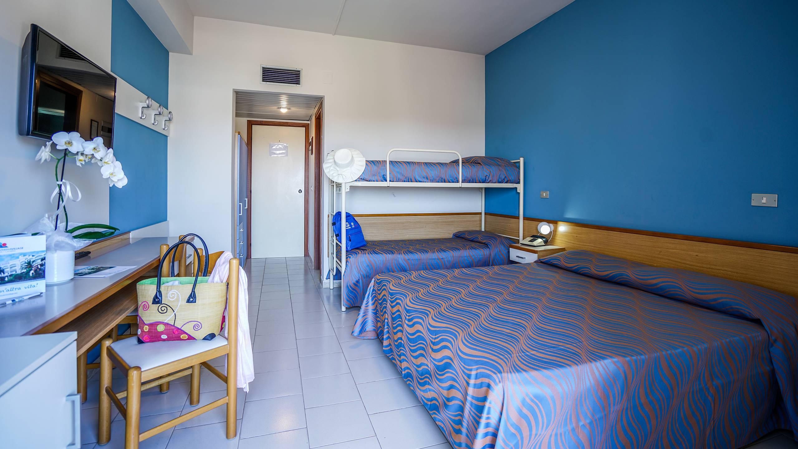 Santa-Caterina-Village-Scalea-chambre-smart-lit-matrimonial-lit-superposé-DSC09182